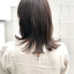 アッシュグレージュ ミルクティーベージュ ミディアム フェミニン ヘアスタイルや髪型の写真・画像