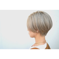ナチュラル ショート ハイトーンカラー ショートヘア ヘアスタイルや髪型の写真・画像