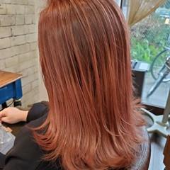 フェミニン コントラストハイライト ナチュラルグラデーション グラデーションカラー ヘアスタイルや髪型の写真・画像