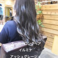 ラベンダーアッシュ ロング アッシュグレージュ イルミナカラー ヘアスタイルや髪型の写真・画像