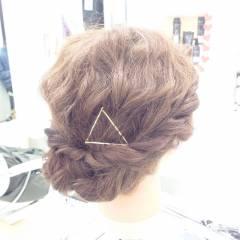 ミディアム 波ウェーブ パーティ 編み込み ヘアスタイルや髪型の写真・画像