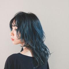ナチュラル ブルー ウルフカット ブルージュ ヘアスタイルや髪型の写真・画像