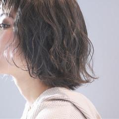 ウェーブ ボブ ゆるふわ ナチュラル ヘアスタイルや髪型の写真・画像