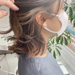 イヤリングカラー インナーカラー 大人かわいい インナーカラーグレージュ ヘアスタイルや髪型の写真・画像