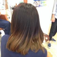 ハイトーン 黒髪 グラデーションカラー アッシュ ヘアスタイルや髪型の写真・画像