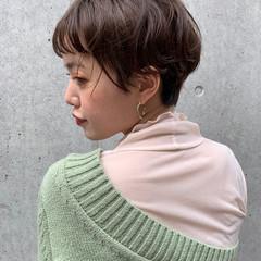 ショートヘア ショートボブ ナチュラル パーマ ヘアスタイルや髪型の写真・画像