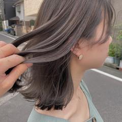 透明感カラー ナチュラル グレーアッシュ ミディアム ヘアスタイルや髪型の写真・画像