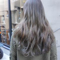 透明感カラー くすみベージュ 透明感 アンニュイほつれヘア ヘアスタイルや髪型の写真・画像