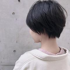 切りっぱなしボブ ショート ナチュラル 大人ショート ヘアスタイルや髪型の写真・画像