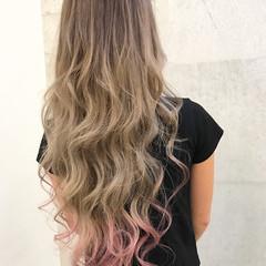 ベリーピンク フェミニン グラデーションカラー ダブルカラー ヘアスタイルや髪型の写真・画像