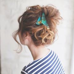 ブラウン グラデーションカラー 簡単ヘアアレンジ ハイライト ヘアスタイルや髪型の写真・画像
