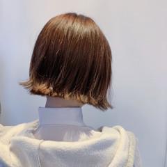 切りっぱなしボブ 外国人風フェミニン ナチュラルベージュ ミニボブ ヘアスタイルや髪型の写真・画像