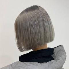 ショートヘア ハイトーン ブリーチ ストリート ヘアスタイルや髪型の写真・画像