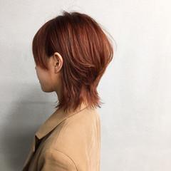 ウルフカット オレンジベージュ ナチュラル マッシュ ヘアスタイルや髪型の写真・画像