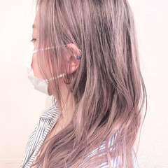 ハイトーンカラー インナーカラー ナチュラル ミディアム ヘアスタイルや髪型の写真・画像