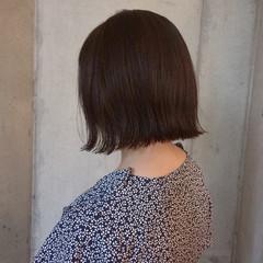 暗髪 切りっぱなし デート ナチュラル ヘアスタイルや髪型の写真・画像