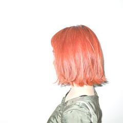 ガーリー 外ハネ 切りっぱなし ボブ ヘアスタイルや髪型の写真・画像