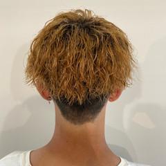 ストリート ブリーチカラー メンズパーマ メンズ ヘアスタイルや髪型の写真・画像