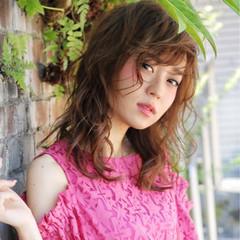 インナーカラー フェミニン デート ウェーブ ヘアスタイルや髪型の写真・画像
