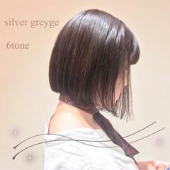 切りっぱなしボブ 透明感カラー グレージュ ミニボブ ヘアスタイルや髪型の写真・画像