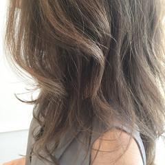 外国人風 ナチュラル グレージュ グラデーションカラー ヘアスタイルや髪型の写真・画像