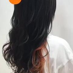 オレンジカラー インナーカラー インナーカラーオレンジ ガーリー ヘアスタイルや髪型の写真・画像