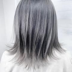 ハイライト ボブ デザインカラー ホワイトシルバー ヘアスタイルや髪型の写真・画像