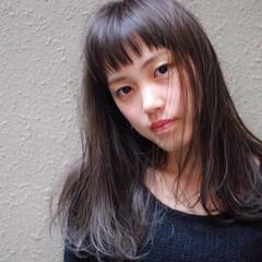 ナチュラル セミロング 暗髪 前髪あり ヘアスタイルや髪型の写真・画像