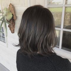 ミディアム レイヤーボブ レイヤーカット ブルージュ ヘアスタイルや髪型の写真・画像