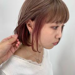 インナーカラー ピンクベージュ ミニボブ ガーリー ヘアスタイルや髪型の写真・画像