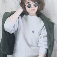 ショート ストリート 秋 ウェーブ ヘアスタイルや髪型の写真・画像