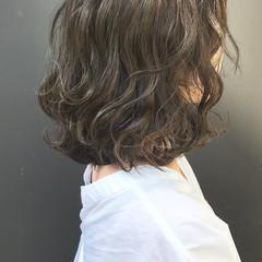 グレージュ ゆるふわ 伸ばしかけ ロブ ヘアスタイルや髪型の写真・画像