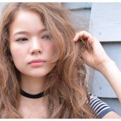 ロング 外国人風 パンク ウェーブ ヘアスタイルや髪型の写真・画像