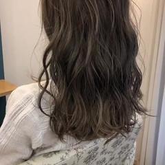 ラフ バレイヤージュ デート セミロング ヘアスタイルや髪型の写真・画像