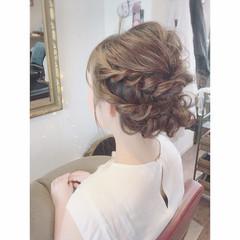 結婚式 ミディアム フェミニン ヘアアレンジ ヘアスタイルや髪型の写真・画像