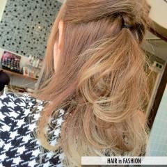 アッシュ コンサバ 外国人風カラー モテ髪 ヘアスタイルや髪型の写真・画像