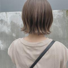 透明感カラー 切りっぱなしボブ アッシュグレージュ ナチュラル ヘアスタイルや髪型の写真・画像