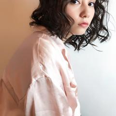 モード ミディアム パーマ ヘアスタイルや髪型の写真・画像