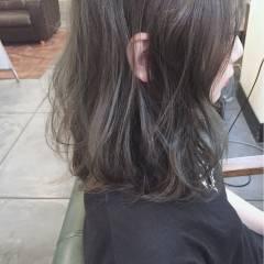 ミディアム ストリート グレージュ ヘアスタイルや髪型の写真・画像