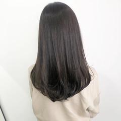 大人ロング ナチュラル グレージュ 透明感カラー ヘアスタイルや髪型の写真・画像