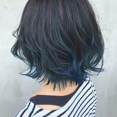 ブルーアッシュ ボブ インナーカラー 裾カラー ヘアスタイルや髪型の写真・画像