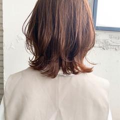 ウルフカット ナチュラル ミディアム 大人ミディアム ヘアスタイルや髪型の写真・画像