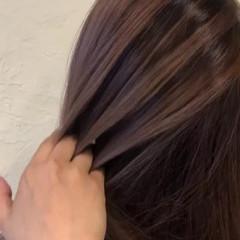 バレイヤージュ セミロング エレガント ブリーチオンカラー ヘアスタイルや髪型の写真・画像