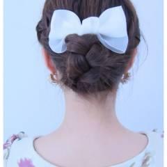 フェミニン ヘアアレンジ ナチュラル 春 ヘアスタイルや髪型の写真・画像