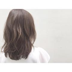 ナチュラル アッシュ ゆるふわ フェミニン ヘアスタイルや髪型の写真・画像