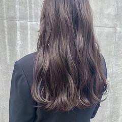 シアーベージュ ベージュ ラベンダーグレージュ ロング ヘアスタイルや髪型の写真・画像