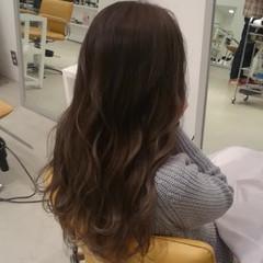 ナチュラル レイヤーカット リラックス ロング ヘアスタイルや髪型の写真・画像