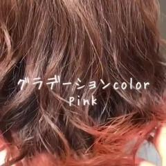 グラデーションカラー インナーカラー ミディアム フェミニン ヘアスタイルや髪型の写真・画像