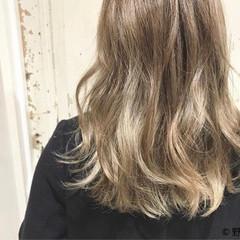 ストリート グラデーションカラー セミロング ハイトーン ヘアスタイルや髪型の写真・画像