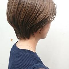 オリーブベージュ マッシュショート ハンサムショート ショートヘア ヘアスタイルや髪型の写真・画像